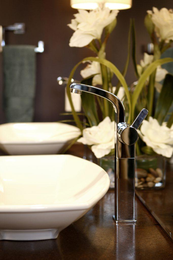 design avec fleurs pour spa