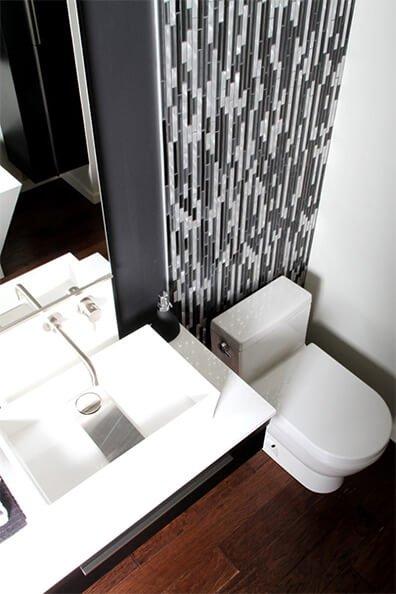 Salle de bain avec vanité modulaire